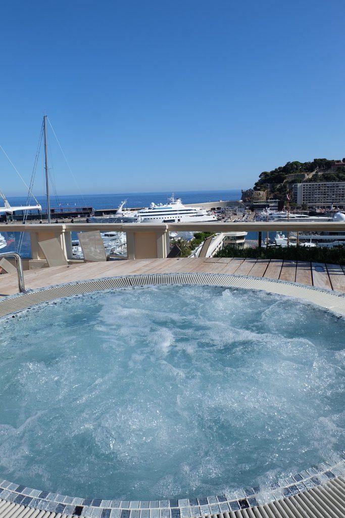 モナコのホテル エルミタージュ 海が見える絶景ジャグジー♡