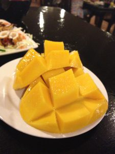セブ島のおすすめ ご飯が美味しい 新鮮なマンゴー