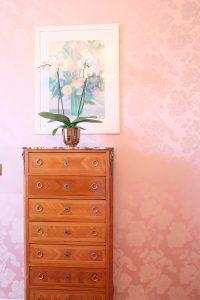 ニースのホテルネグレスコ ピンク色の壁が可愛い