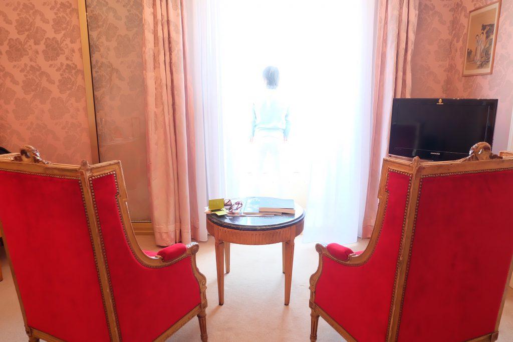ニースのホテルネグレスコ ピンク色のお部屋 内装