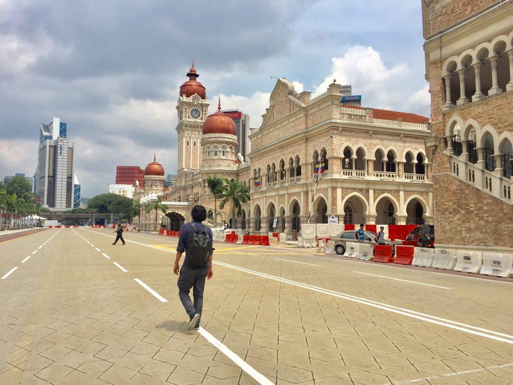 ヨーロッパ風の建物が並ぶ ムルデカスクエア クアラルンプール