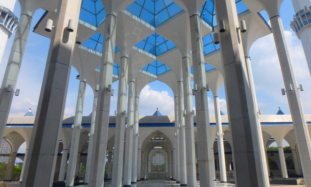 マレーシア ブルーモスク内部が綺麗