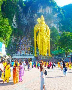 初めての海外旅行におすすめ マレーシア観光 バトゥ洞窟