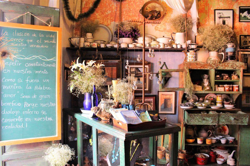 グアテマラおすすめ観光 お洒落な雑貨屋カフェ