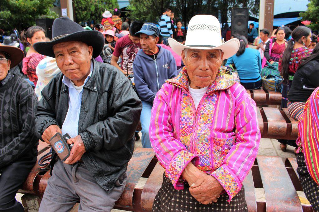 中米グアテマラ 男性の服装