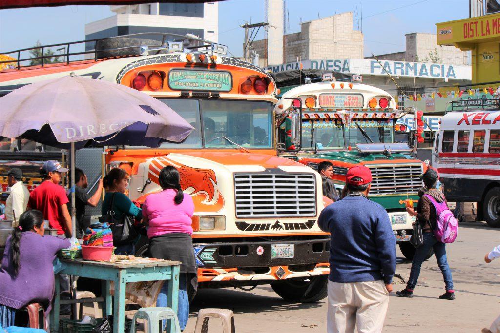 グアテマラ 家畜市への行き方 バス停