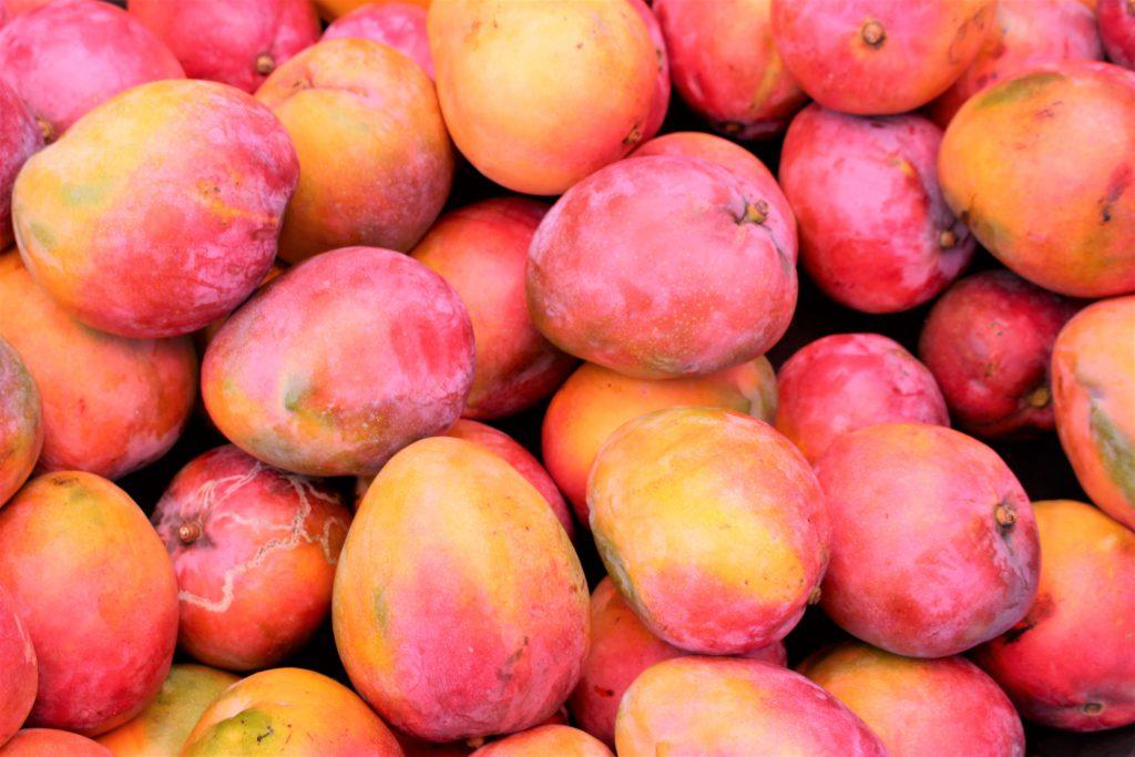 中米グアテマラ 果物が安くて美味しい マンゴーも