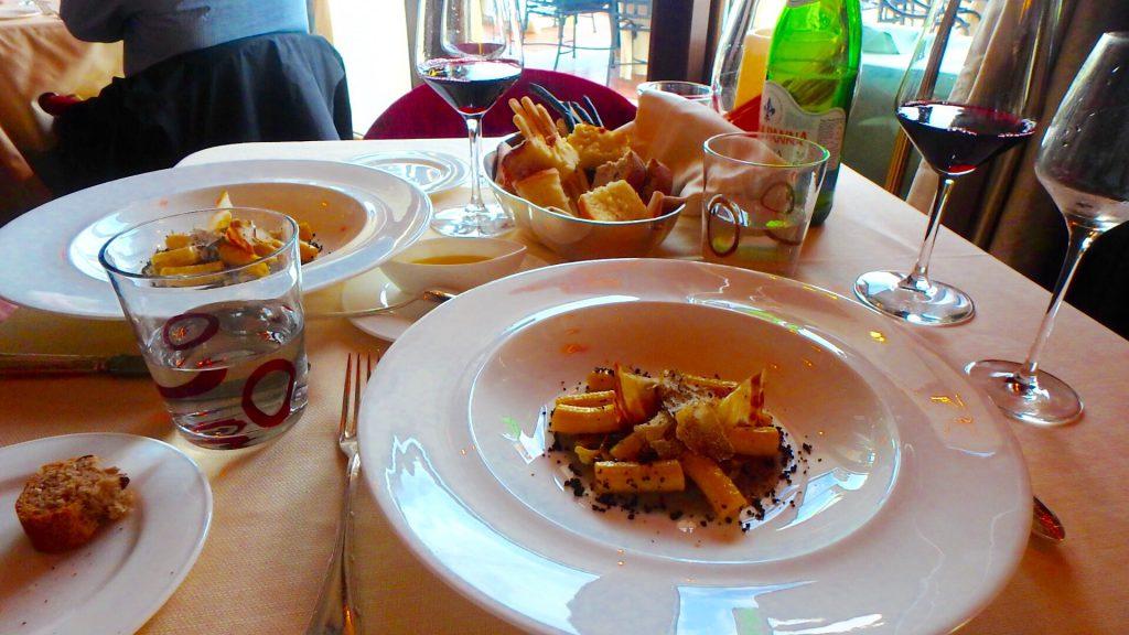 ベネチアの美味しいレストラン パスタと赤ワインが絶品