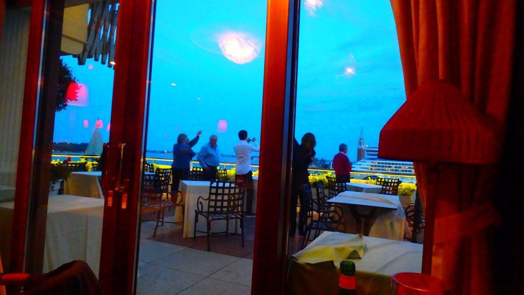 ベネチア テラスがある景色が綺麗なレストラン