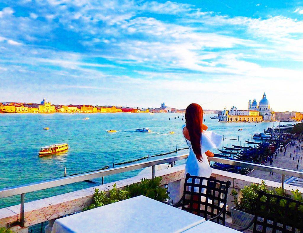 ベネチア テラス席から絶景が楽しめるレストラン