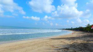 バリ島クタビーチ 海の透明度は?