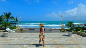 バリ島クタビーチ 海の目の前のショッピングセンター