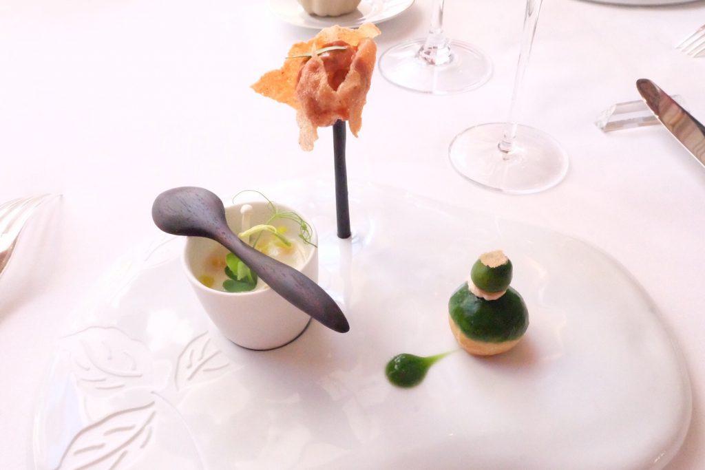 パリのミシュラン三ツ星レストラン Epicureの料理
