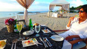 バリ島 サンセットを見ながら美味しいディナー