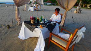 バリ島クタ 浜辺でプライベートディナー