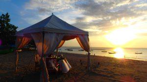 バリ島クタビーチ 夕日を見ながら 貸切ディナー