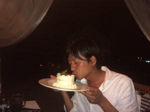 バリ島クタビーチ アニバーサリーケーキ