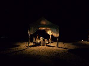 バリ島クタビーチ 砂浜でプライベートディナー