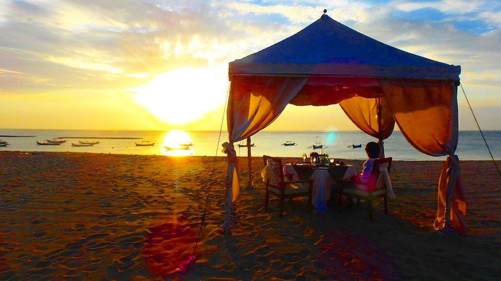クタビーチ サンセット お洒落なレストラン