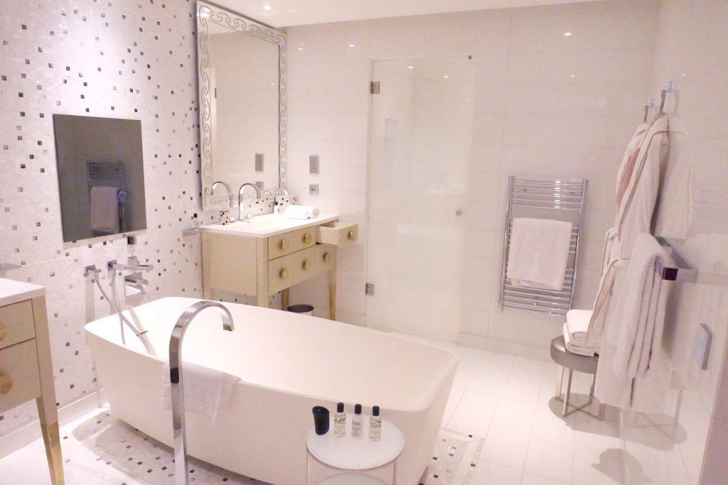 マンダリンオリエンタルパリ バスルーム お風呂