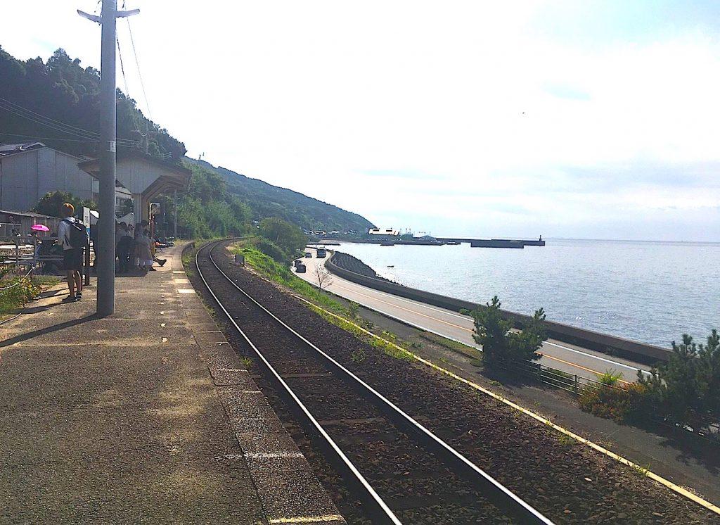 松山駅から下灘駅(しもなだえき)へ電車の旅
