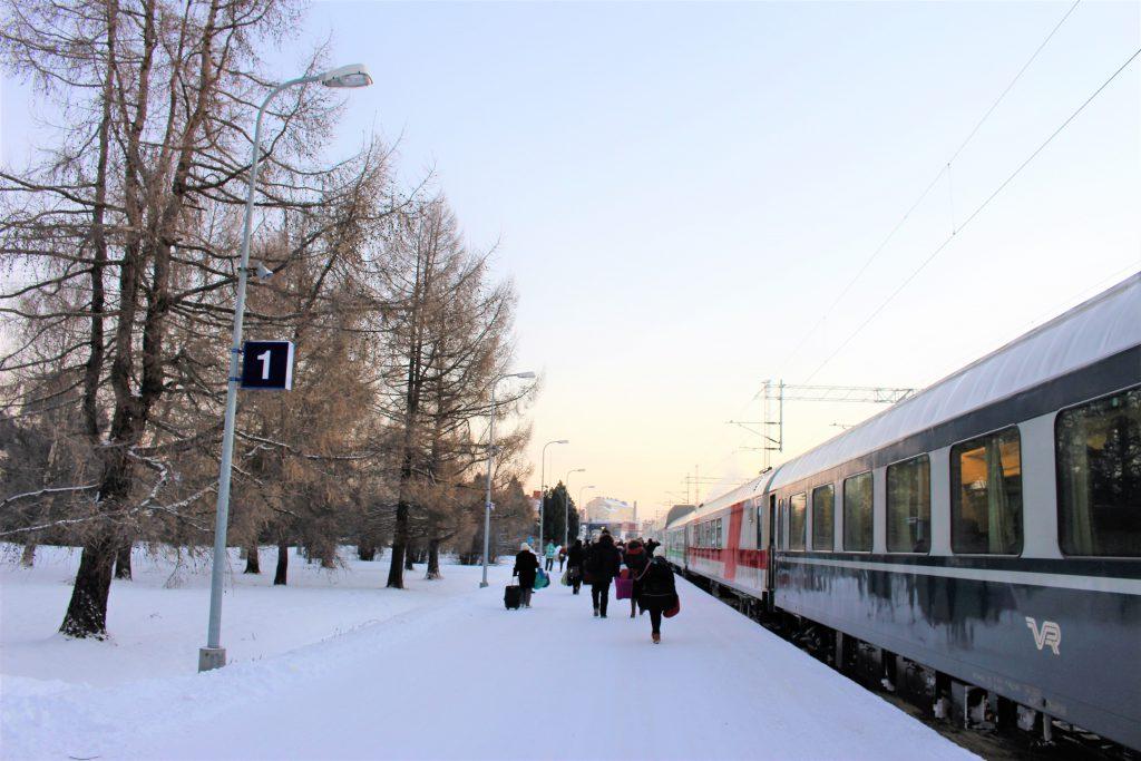 フィンランド ロヴァニエミ 電車 駅