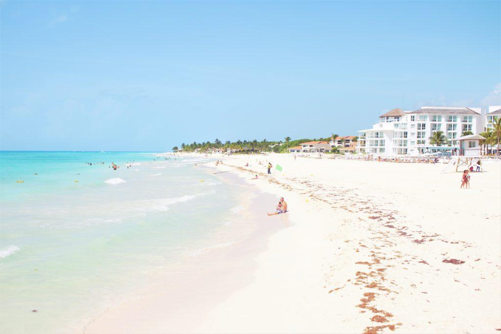 カンクンから日帰りで行けるリゾート 綺麗なビーチ