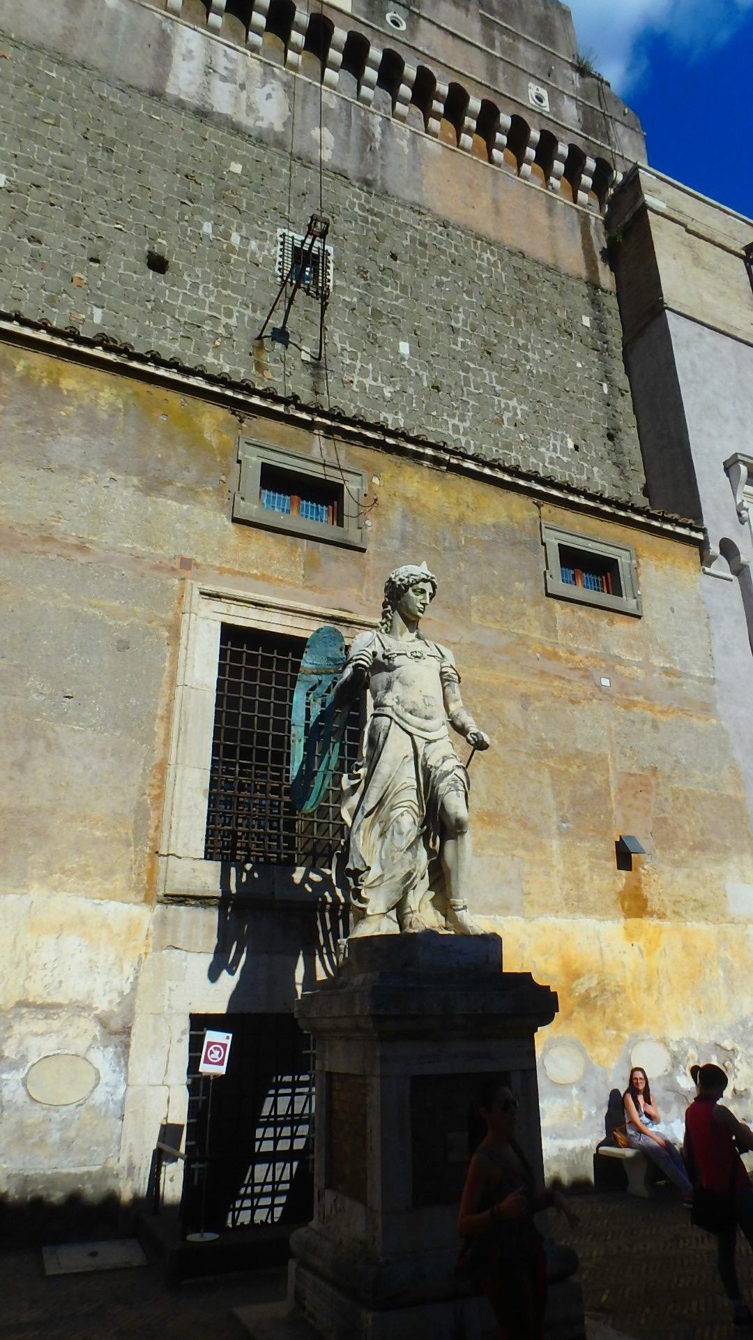 ローマの休日 サンタンジェロ城 彫像