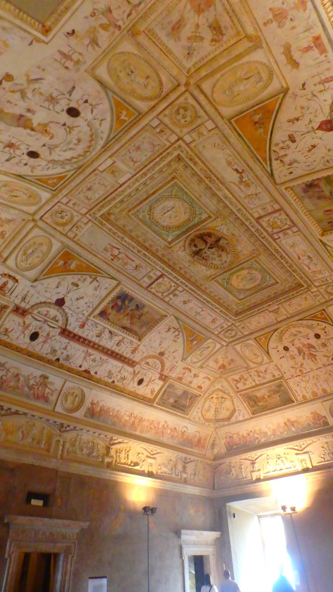 サンタンジェロ城内部 部屋の天井
