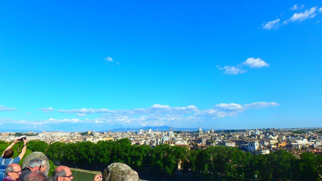 サンタンジェロ城頂上からのローマの景色