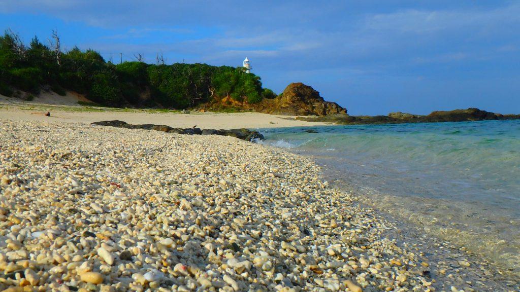 与論島 夕方の赤崎海岸と灯台