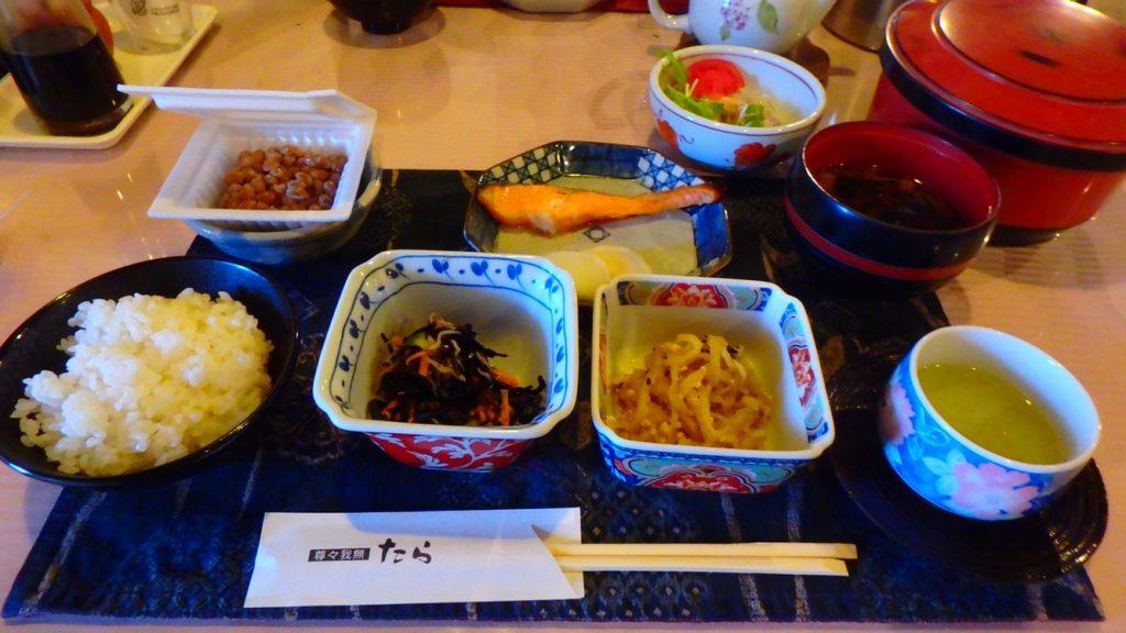 与論島でおすすめのご飯屋さん ヨロン島ビレッジ 朝食