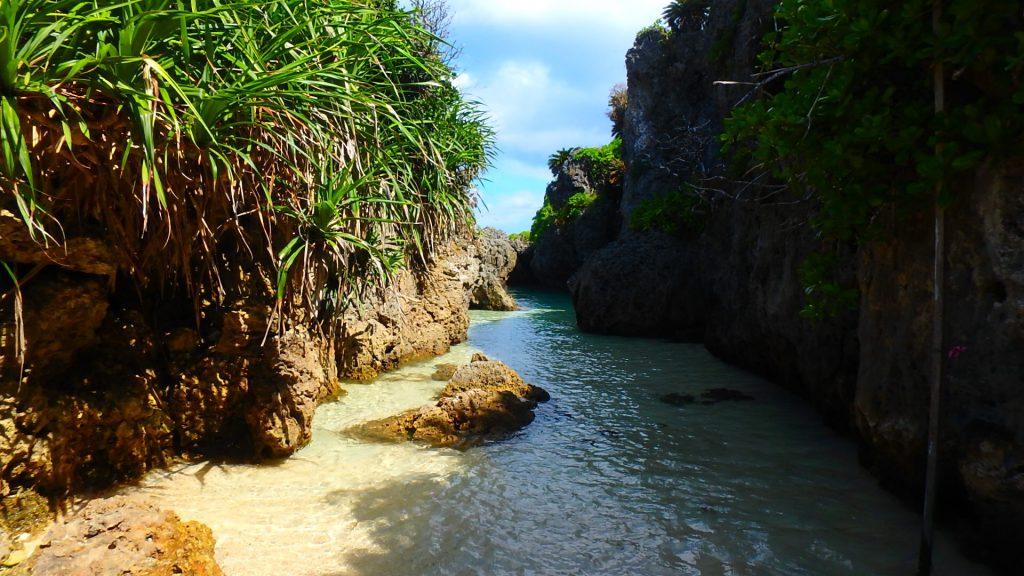 与論島 探検できる楽しい海岸 ウドノスビーチ