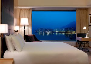 香港の九龍側 部屋から夜景が見える ハイアットリージェンシー