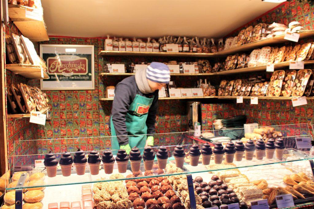 オーストリア ウィーンのクリスマスマーケットとお菓子