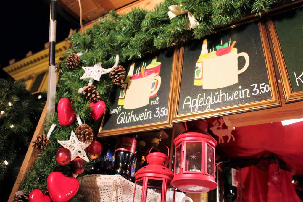 ヨーロッパのクリスマスマーケット ホットワインが可愛い