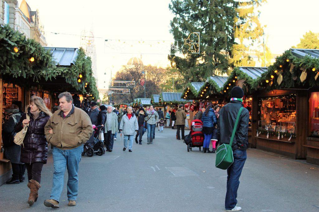 ウィーン市庁舎前広場 クリスマスマーケット