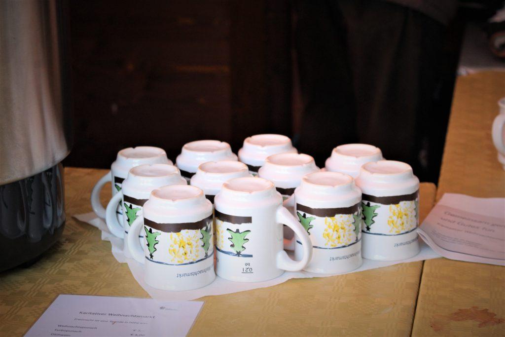 ヨーロッパのクリスマスマーケット マグカップはお持ち帰り可能