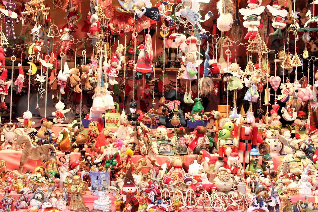 チェコ クリスマスマーケットのオーナメント