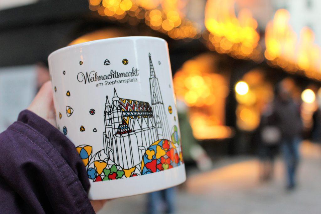 チェコ・オーストリア クリスマスのマグカップ限定デザイン