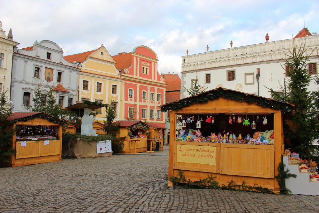 チェコ チェスキークルムロフのクリスマスマーケット