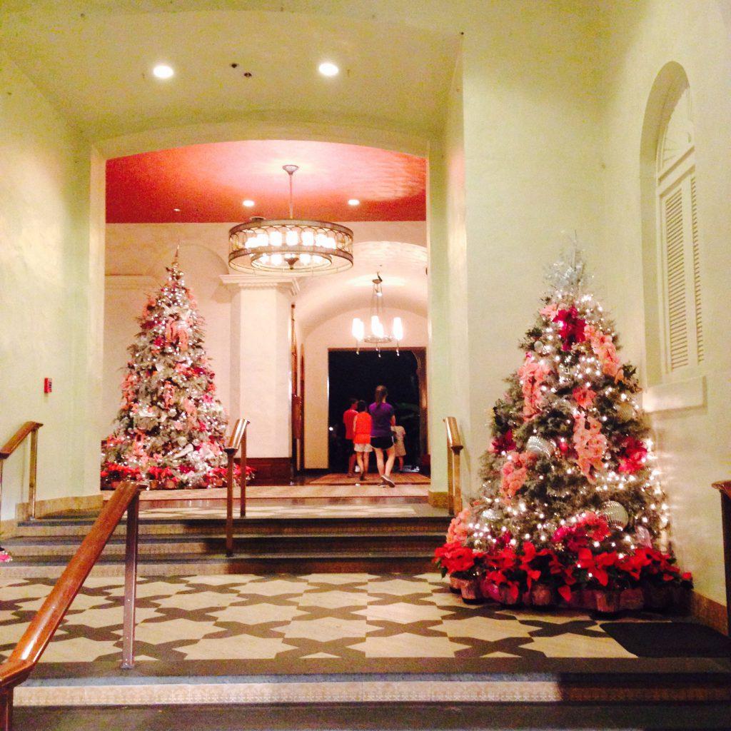 クリスマスのロイヤルハワイアン ワイキキのホテル
