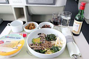 大韓航空の機内食 ビビンバが美味しい