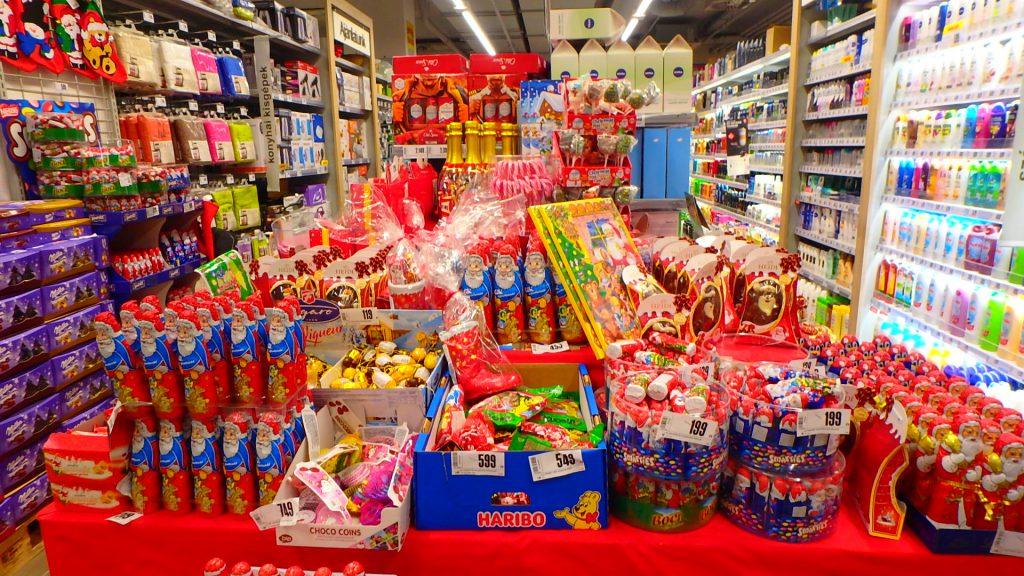 中欧のニコラスデー ミクラーシュのお菓子 スーパー
