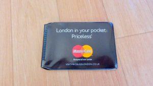 女性の海外旅行の持ち物 お財布はカードケース