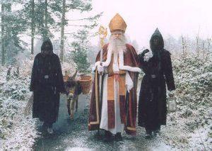 ヨーロッパのクリスマス ニコラスデー サンタと悪魔