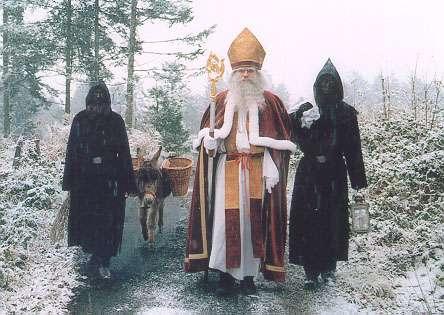 スイスのニコラスデーと悪魔 クリスマスマーケット
