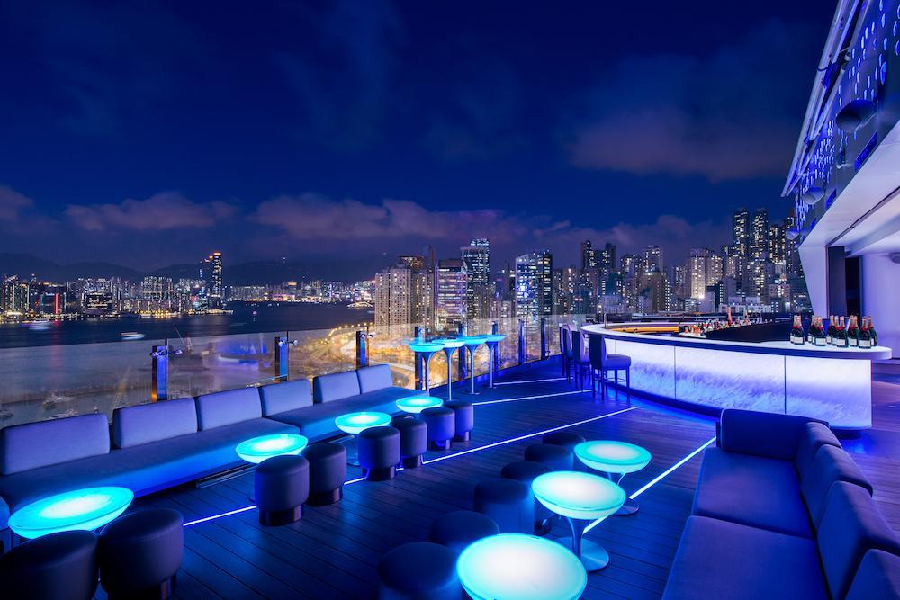 香港の夜景が見える 絶景ルーフトップバー
