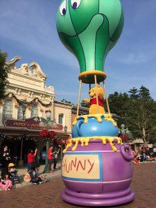 香港ディズニーランドのパレード くまのプーさん