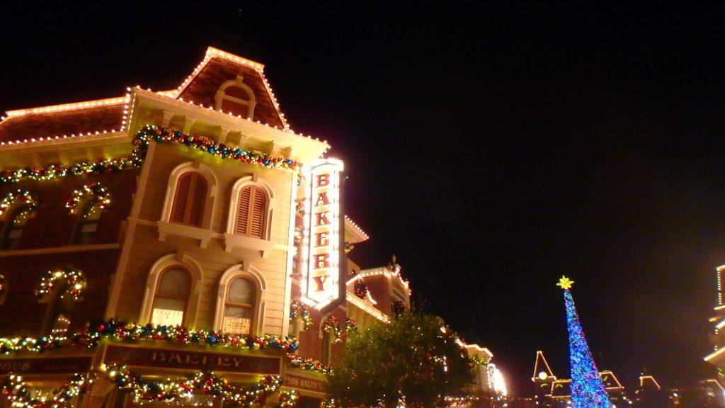 香港ディズニーランド 夜 ライトアップ